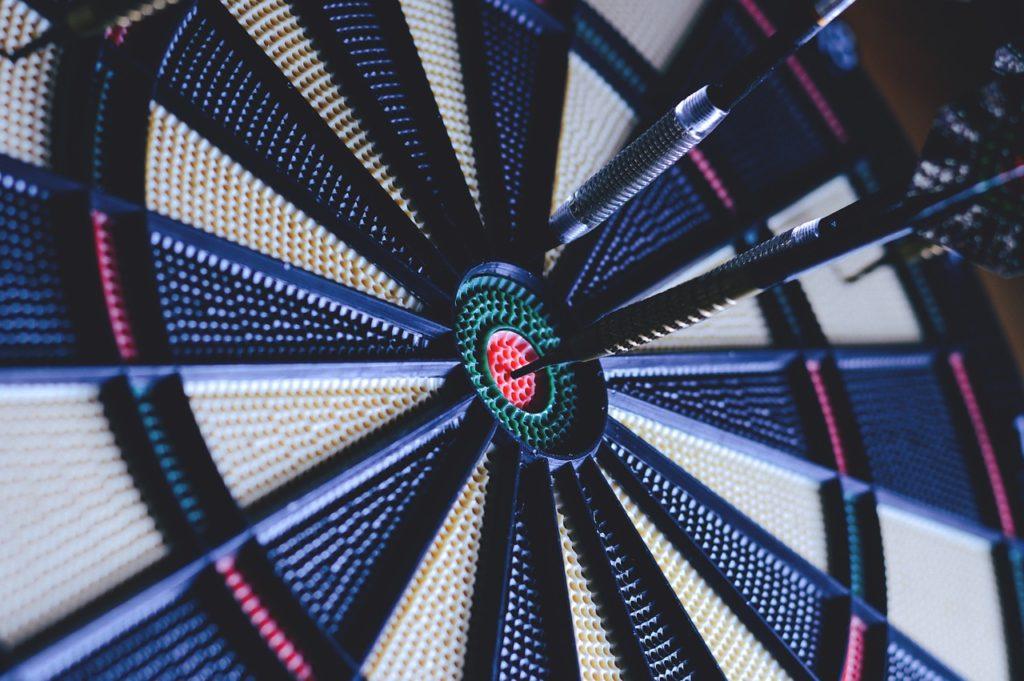 Dart Bullseye / Dartscheiben-Testsieger.de / Das Interesse am Dartsport steigt immer weiter an
